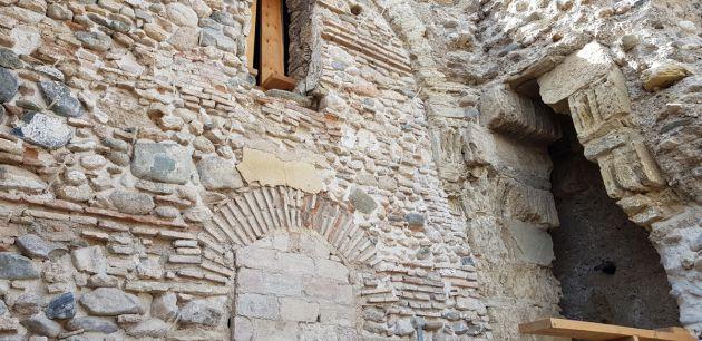 Antigua puerta de la Muralla Zirí descubierta en la restauración del paño de la ermita de San Cecilio, en el Albaicín granadino