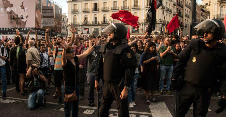 Protestas por el referendum catalán en la Puerta del Sol