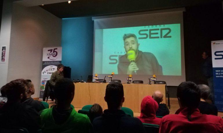 Dani Garrido saludó a todos los presentes desde Radio Madrid.