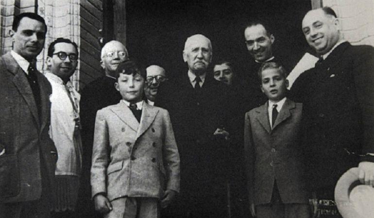 En la imagen, don Juan Carlos el día de su jura de Reglas como hermano de Pasión, el 19 de marzo de 1949