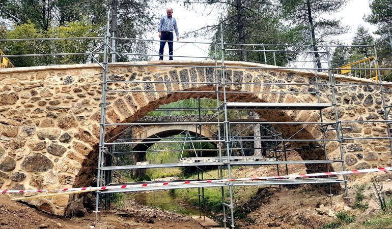 Las obras de rehabiltación del puente, en una imagen reciente