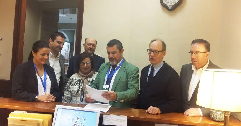 El PSOE pide al Congreso que incluya la Ley de Trasvase que aprobó la Junta
