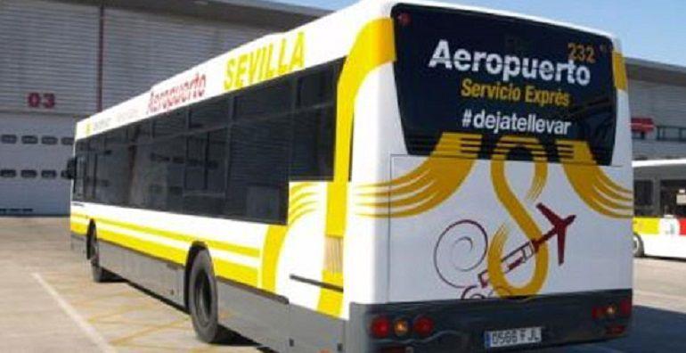 A partir del viernes habrá más autobuses y taxis en el aeropuerto