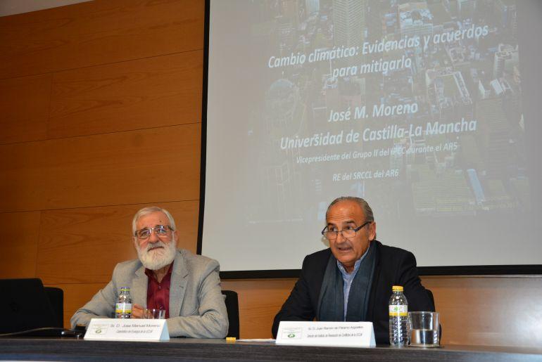 José Manuel Moreno y Juan Ramón de Páramo, durante la jornada celebrada en Ciudad Real