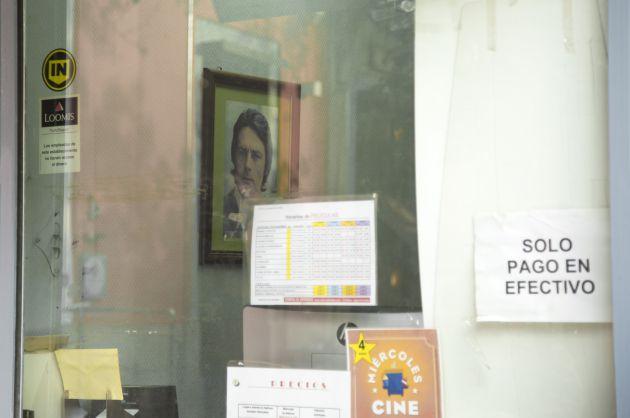 Detalle de la taquillla de la Plaza del Carmen de los Cines Acteón