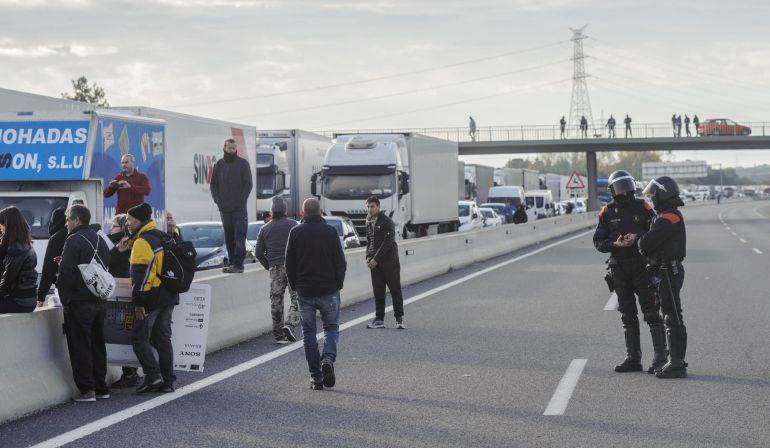 500 camiones murcianos afectados por la huelga en Cataluña