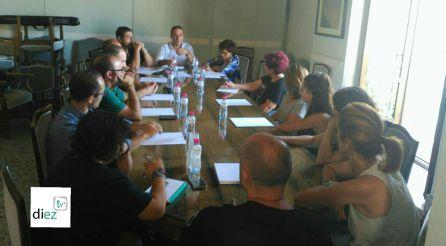 Reunión en el ayuntamiento de Cazorla con veterinarios, SEPRONA, Policia Local y ASAMA