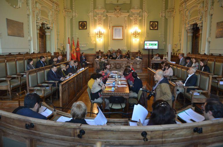 Pleno del Ayuntamiento con el debate sobre la transparencia