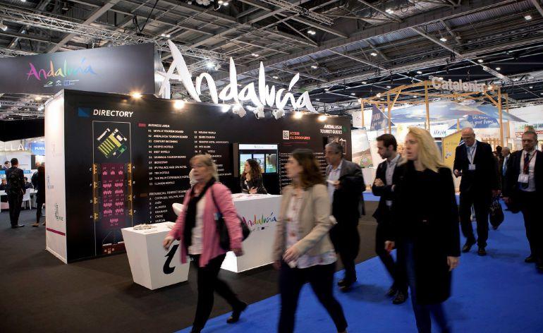 El pabellón de Andalucía en la feria de turismo World Trade Market (WTM) de Londres, preparado para recibir visitantes esta mañana en el primero de los tres días que dura la feria