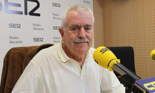Dr. José P. Valdés, pediatra y especialista en Medicina del Adolescente