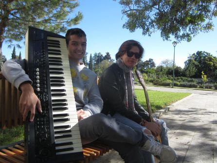 Pedro P. Castro e Isamel Cobacho son Sun Orfhans