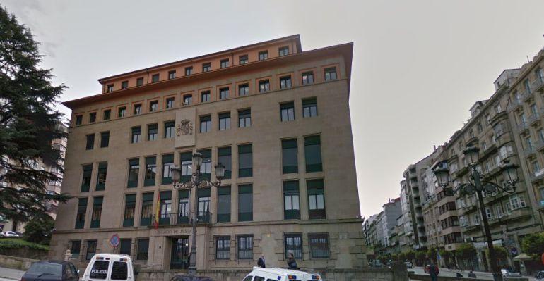 La Audiencia Provincial de Ourense ha condenado a dos años y dos meses de prisión y a una multa de 5.760 euros a J.M.V.G. por un delito de alzamiento de bienes.