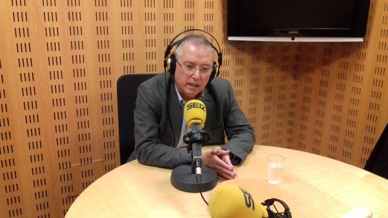 El diputado de Medio Ambiente, José Ignacio Asensio, en los estudios de Radio San Sebastián.
