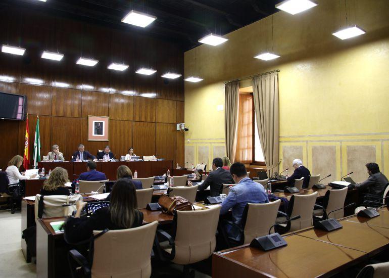 La Junta reclama 149 millones de euros por los cursos de formación