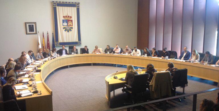 El Pleno ha aprobado exigir la apertura de esta boca de metro a la Comunidad de Madrid