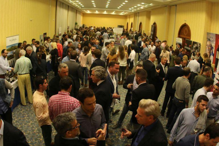 Más de un millar de profesionales pasan por el Salón del Vino y la Gastronomía Narbona Solís