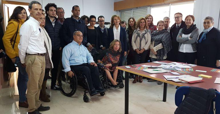 Foto de familia de la Mesa del Tercer Sector