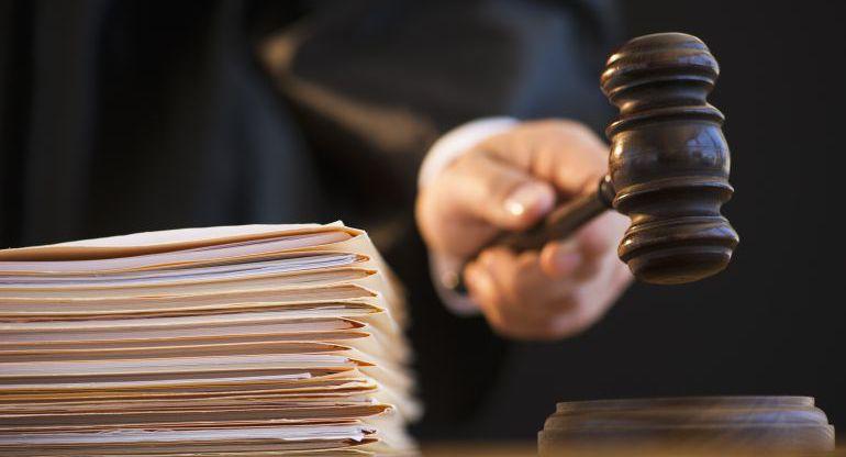 Los magistrados lo han encontrado culpable de dos delitos continuados de abusos sexuales