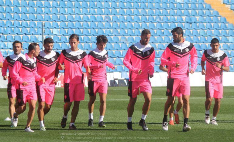 Los jugadores del Hércules durante un entrenamiento