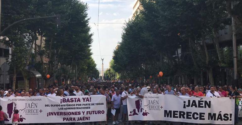 Cabecera de la manifestación que Jaén Merece Más organizó el pasado 17 de junio.