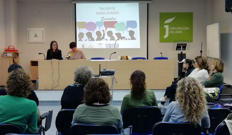 Momento de la intervención de la concejala de Igualdad, María Teresa García