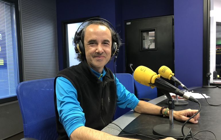 Manuel Herrero en el estudio de Radio León