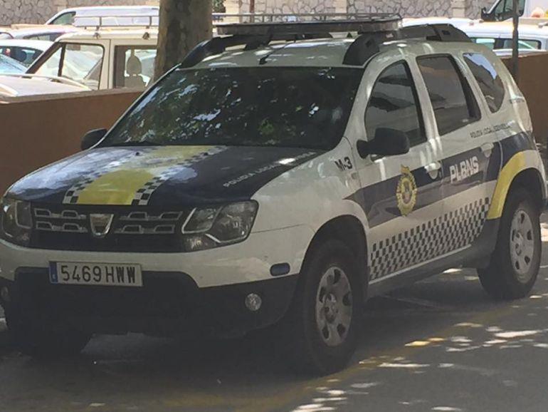 Coche de la policía local.