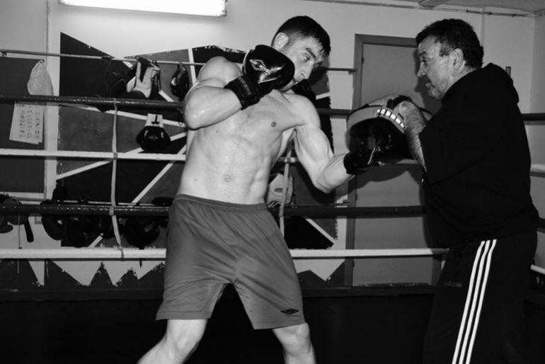 Alberto Piñeiro, El Piña, deja el boxeo tras un incidente fortuito que debatió entre la vida y la muerte a su sparring Arturo Tomás