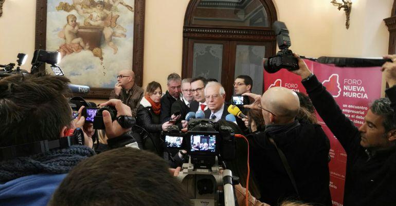"""Borrell: """"Cuantos menos responsables políticos estén en prisión mejor para las elecciones"""""""