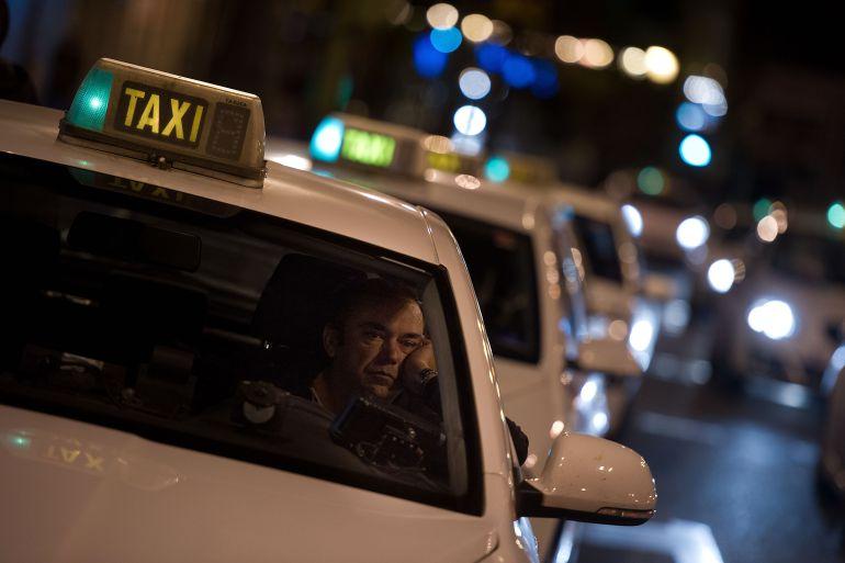 Aumentan los taxis en Sevilla los meses de mayor demanda
