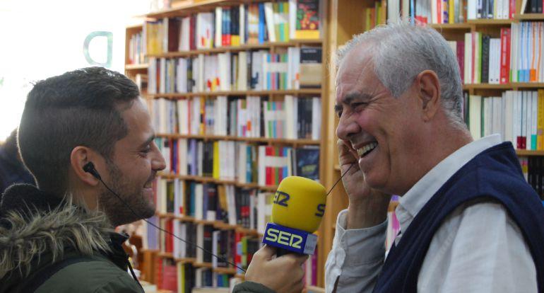 A pie de calle en Hoy por Hoy Madrid Oeste – Librería VID en Móstoles en el Día de las librerías