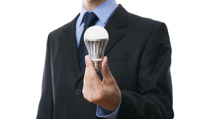 Alertan en Vitoria de la venta de bombillas led a domicilio aduciendo que son obligatorias