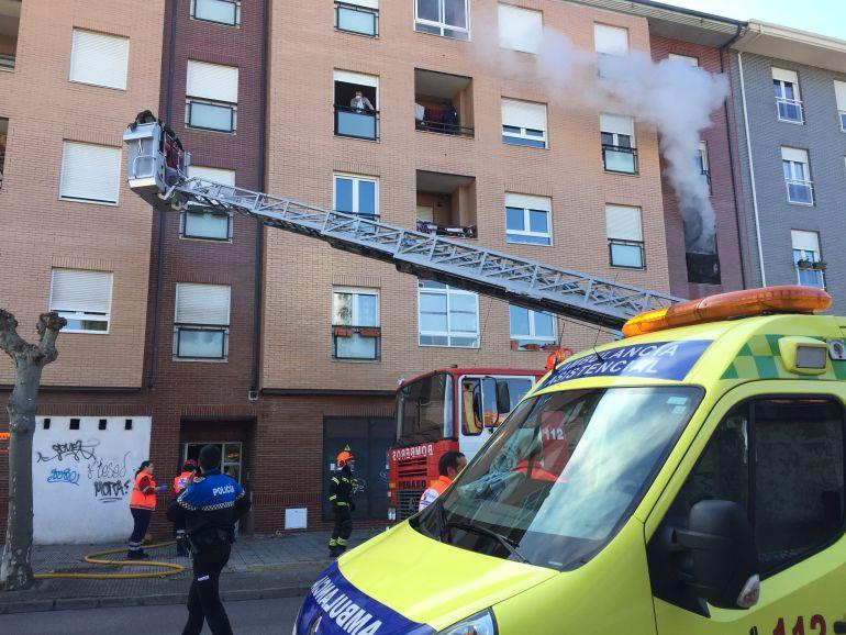 El incendio se declaraba en el interior del segundo piso