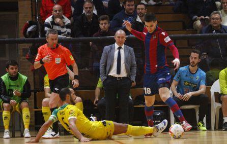 Un momento del partido entre el Jaén FS y el Levante.