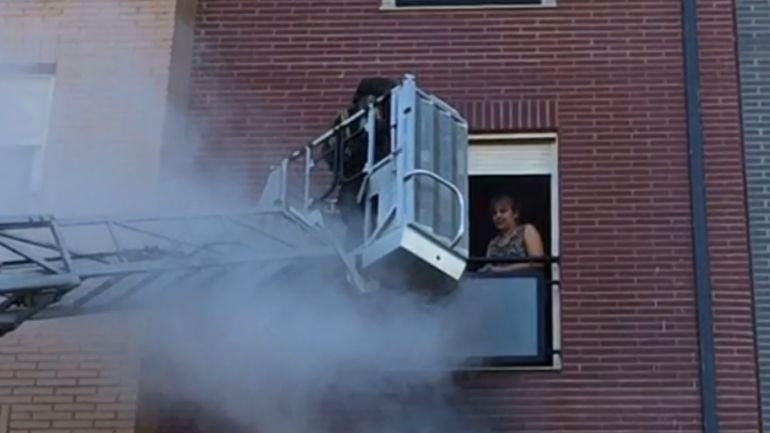 Uno de los rescates realizados en el edificio número 89 de la Avenida de la Cemba