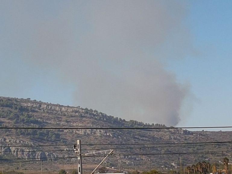 El Consorcio Provincial de bomberos da por extinguido el incendio forestal de Cabanes