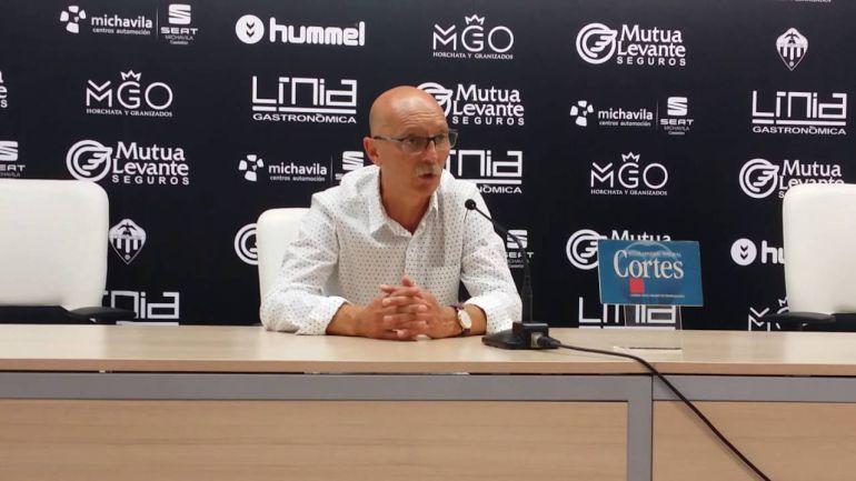 castellón castelló: Frank Castelló deja de ser entrenador del C.D.Castellón