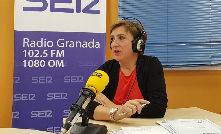 Sandra García, en los estudios de Radio Granada