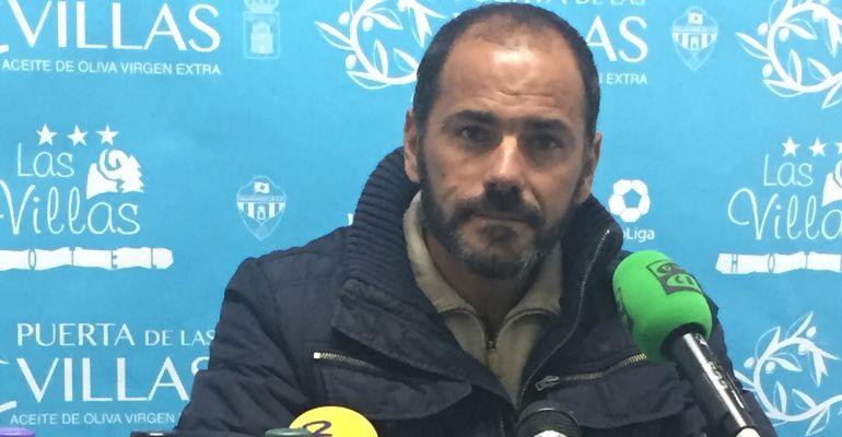 Salva Ballesta, entrenador del Real Jaén, compareció en rueda de prensa tras el Villacarrillo-Real Jaén.