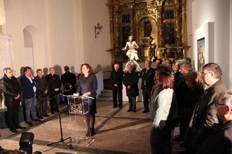 La consejera de Cultura y Turismo, María Josefa García Cirac, hace balance de la exposición 'Reconciliare' en la iglesia de San Andrés de Cuéllar