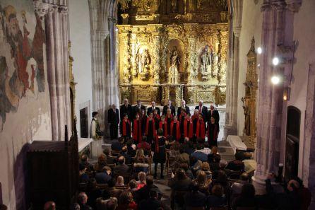 La agrupación Coral Cuellarana en el concierto ofrecido en la capilla de la Magdalena