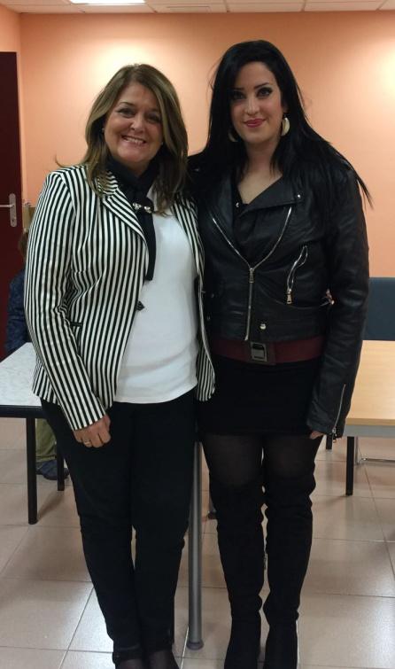 Ángeles Isaac y Beatriz Montoro al finalizar el congreso del PP de Santiago-Pontones