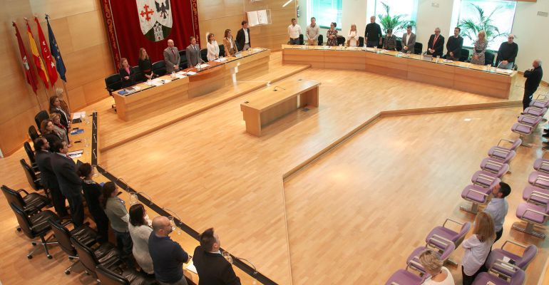 El pleno de Alcobendas guarda un minuto de silencio por las víctimas de la violencia de género