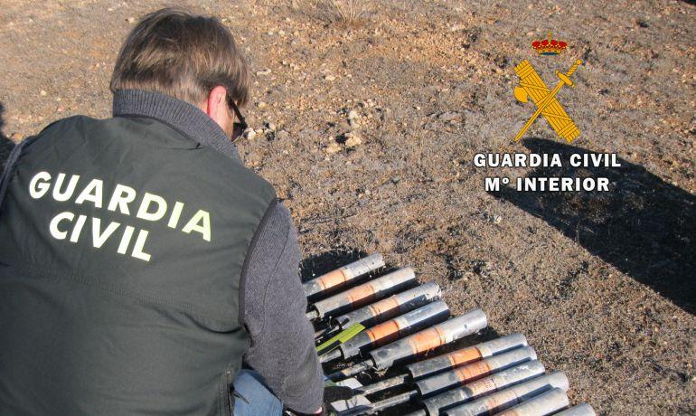 Desactivados once cohetes granífugos hallados en Pozohondo