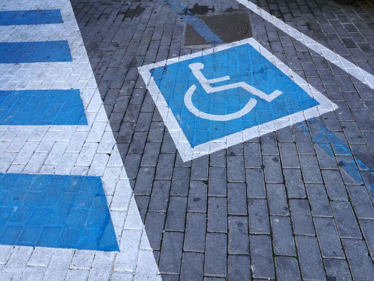 Aranda de Duero cuenta con varias calles en las que está reservado espacio para aparcamiento de personas con movilidad reducida