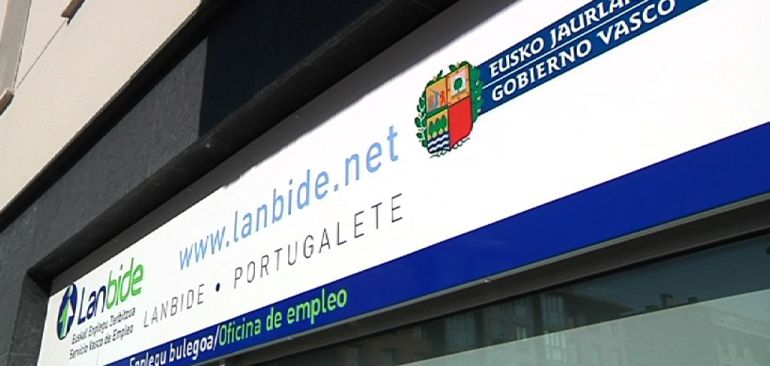 Tres detenidos por defraudar 161.000 euros a Lanbide