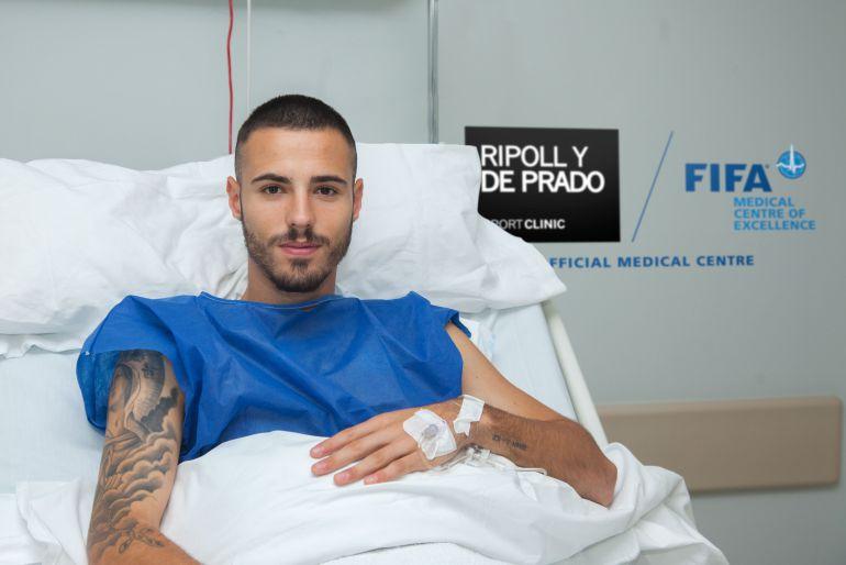Javier Soro tras la cirugía que se le practicó