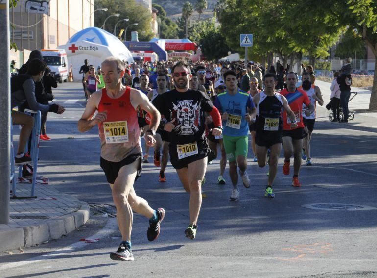 Cerca de medio millar de atletas tomaron la salida