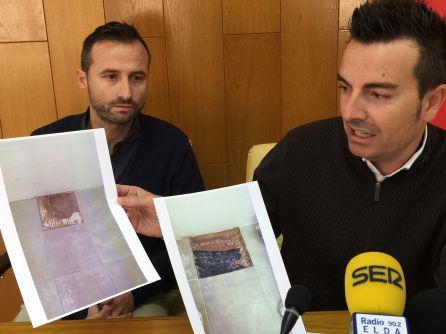 El edil de Deportes muestra las fotos de las deficiencias en los vestuarios del Nuevo Pepico Amat en Elda