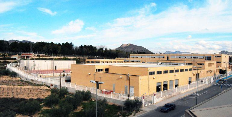 El Centro alberga el aulario de la EOI de Novelda
